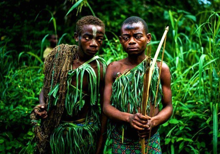 Pigme kabilesi bilinenin aksine vahşi değildir, en uzunlarının boyu 1 metre 40 santimdir.