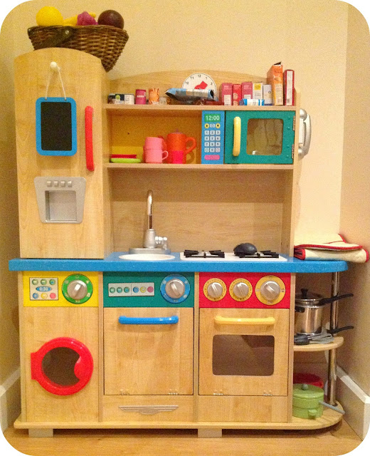 Small Kidkraft Kitchen Red