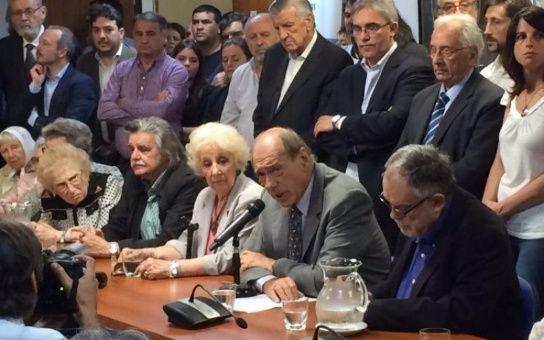 """Líderes sociales de Argentina: """"La democracia está en peligro"""""""