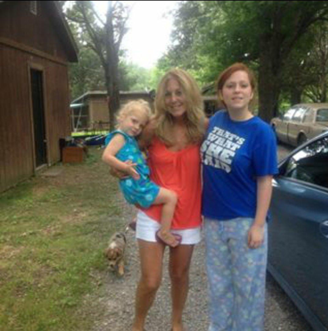 Life in a White Trash Mecca: Ugh, Teen Moms!