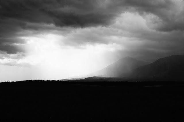 Tatry słowackie, dolina Popradu, Słowacja. Czarn-obiała fotografia krajobrazu. fot. Łukasz Cyrus
