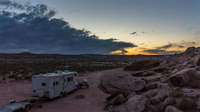 UTB: Moab - Tusher Canyon Uraling