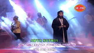 Lirik Lagu Ono Sing Kuoso - Arya Satria