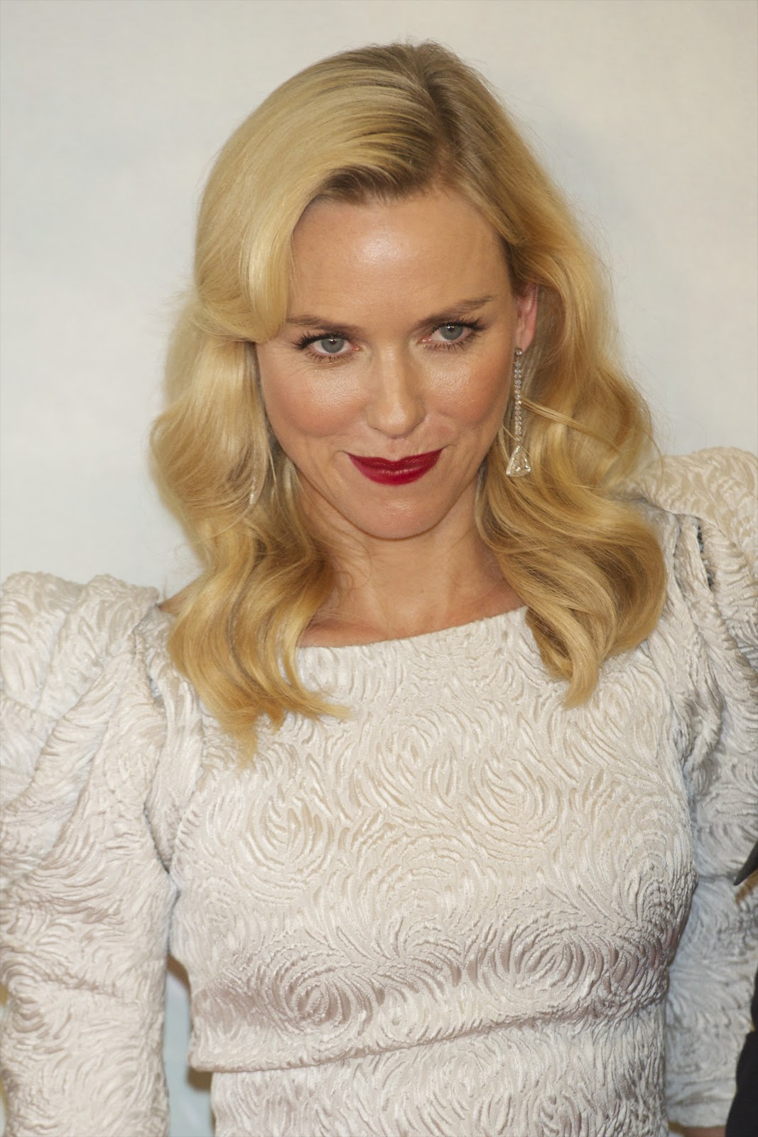 Naomi Watts hot beautiful stills at the premiere of 'The ...