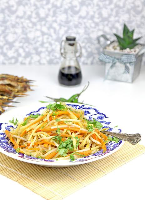 kuchnia tajska, stir-fry z kiełków fasoli, kiełki fasoli, co zrobić z kiełków fasoli,