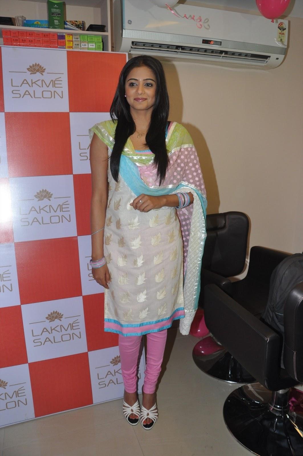 Malayalam Girl Priyamani Latest Stills In White Dress