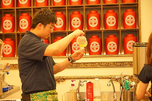 DSC06594 - 熱血採訪│逢甲夜市雷夢舒醒熟成紅茶來囉!現在點熟成鮮拿鐵加珍珠免費
