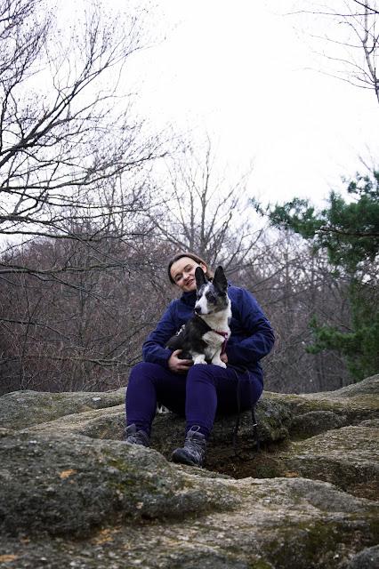 karkonosze z psem, góry z psem, zamek chojnik