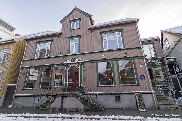 Sjøgata 29, Tromsø - Noruega, por El Guisante Verde Project
