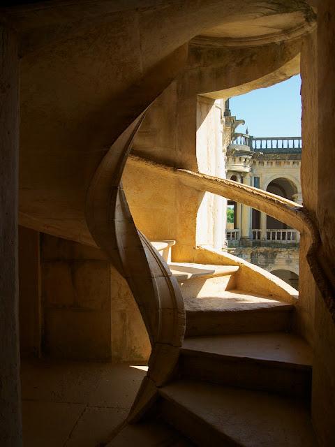 Escalera del Claustro Principal del Convento de Cristo, en Tomar