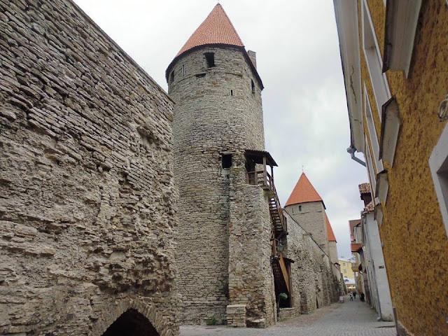 Köismäte Torn, la torre en forma de herradura (Tallinn) (@mibaulviajero)