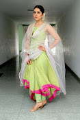 Rashi Khanna New Gorgeous Photos gallery-thumbnail-3