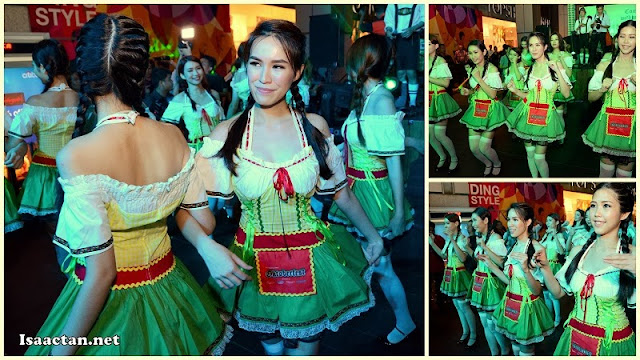 Carlsberg Dirndl girls doing the chicken dance