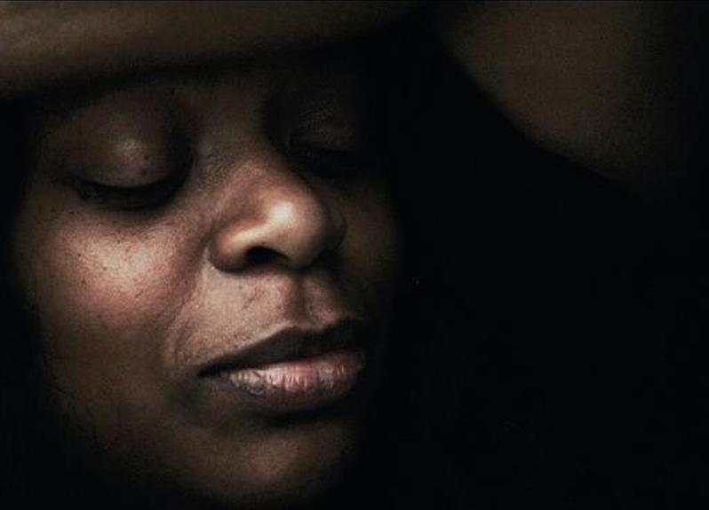 Maria Shu é uma das raras dramaturgas negras da capital paulista. No bairro Jaraguá, onde mora, ela é provavelmente a única. Foto: Carlos Ronchi