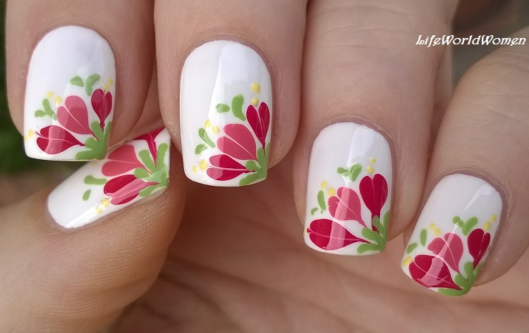 Life World Women: Needle & Toothpick Floral Nail Art