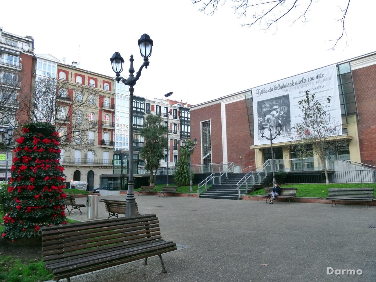Bilbaok plaza del ensanche for Oficina de correos bilbao