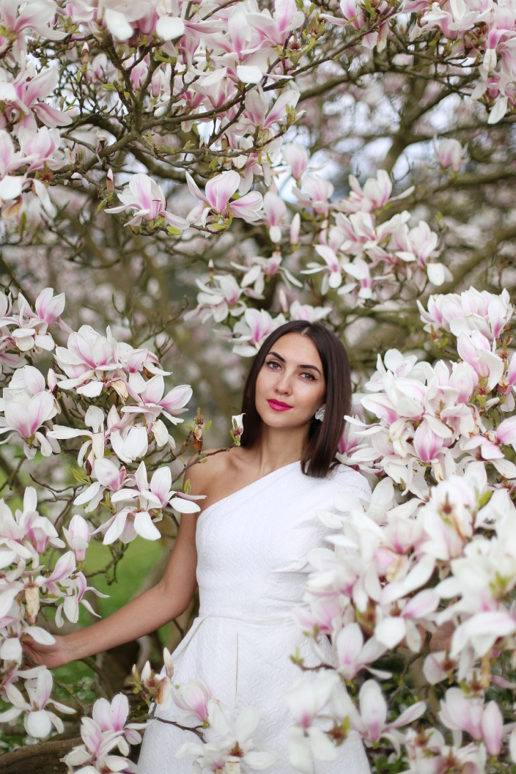 london style blogger, spring in london, blooming magnolia