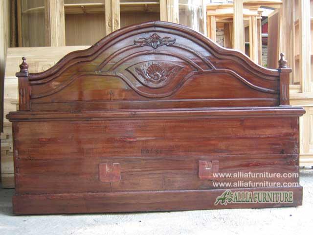 tempat tidur kayu jati soluna cempaka