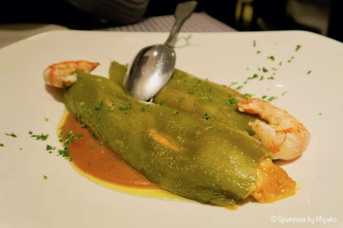 Pimiento Verde Rellenos de Txangurro y Carabineros 旨味たっぷり蟹と海老のピーマン詰め