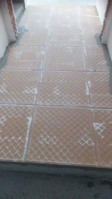 baldosas, antideslizante, al revés, cemento cola