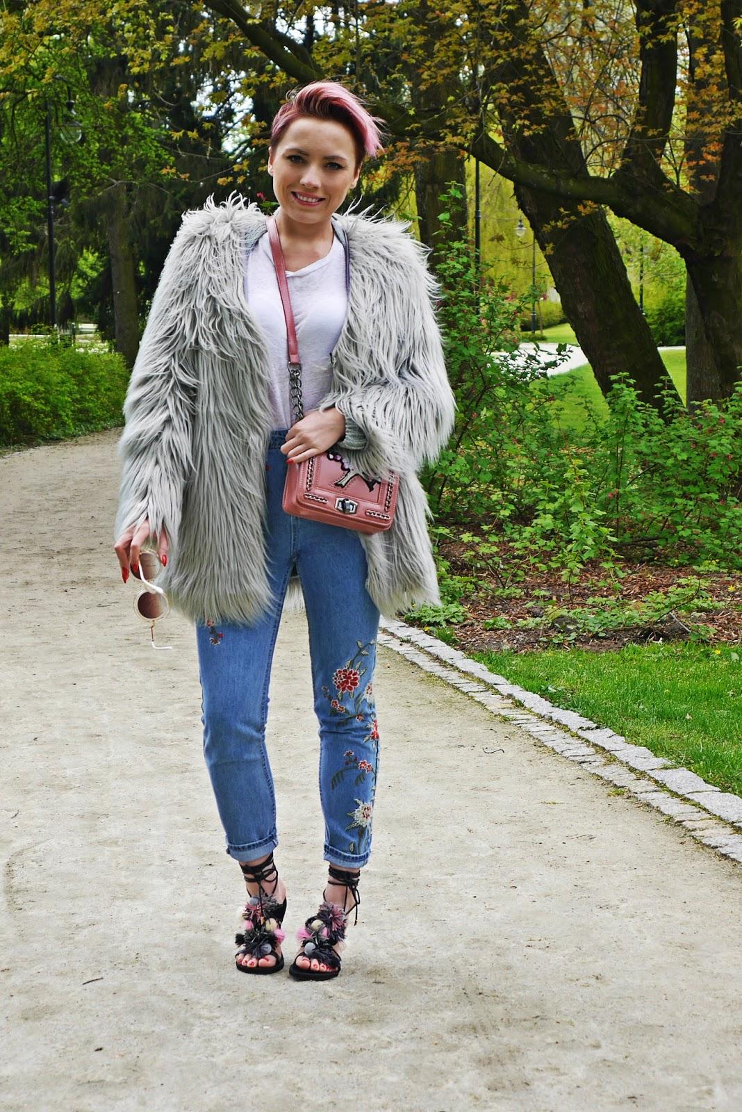 spodnie_haft_szare_futerko_look_ootd_karyn_blog_020517