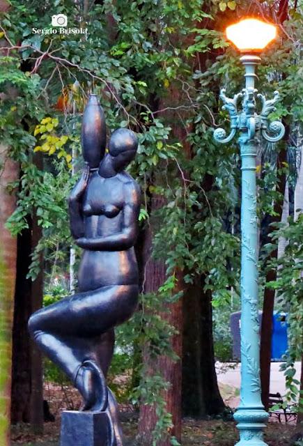 Foto composição com a Escultura A Carregadora de Perfume - Jardim da Luz / Pinacoteca - Luz - São Paulo