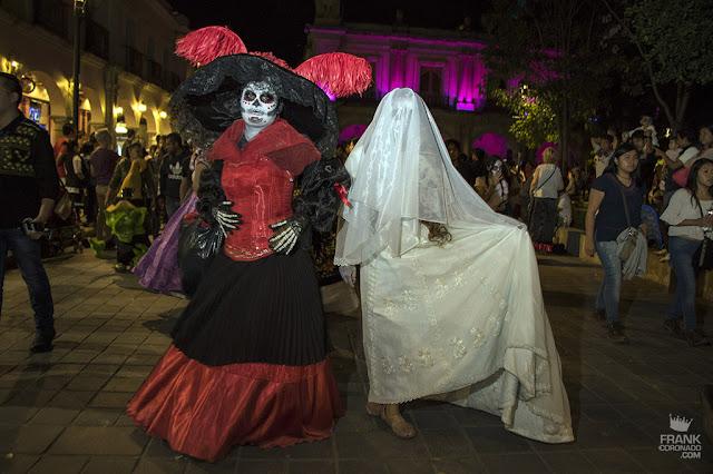 comparsa de dia de muertos en Oaxaca