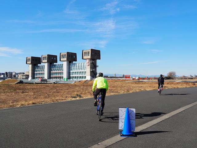 荒川自転車道 岩淵水門