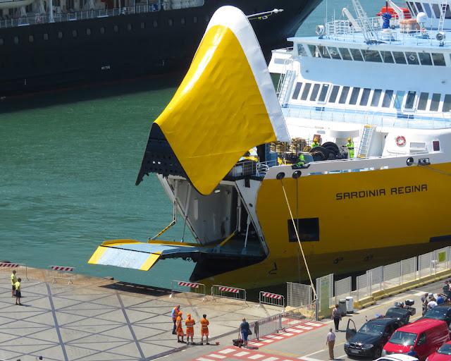Ferry Sardinia Regina, IMO 7205910, porto Mediceo, Livorno