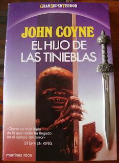 Portada del libro El hijo de las tinieblas, de John Coyne