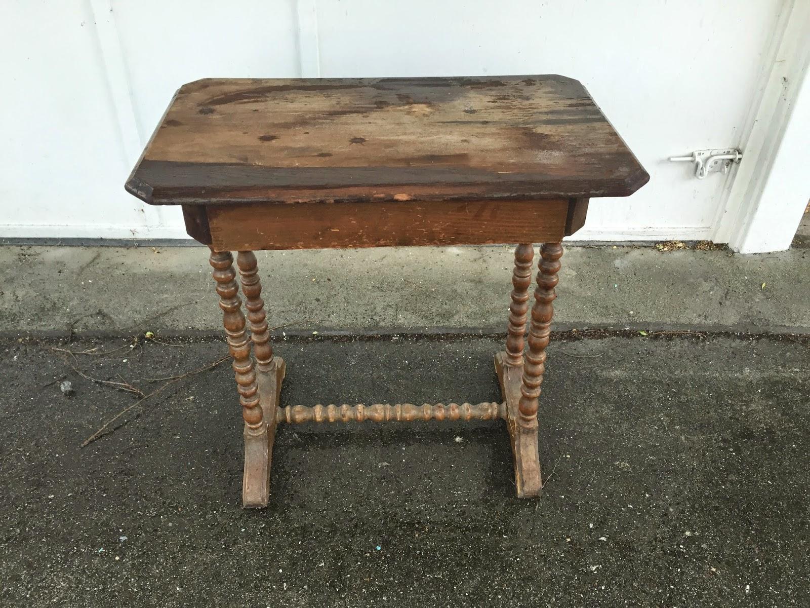 D D S Cottage And Design Flow Blue Spindle Table