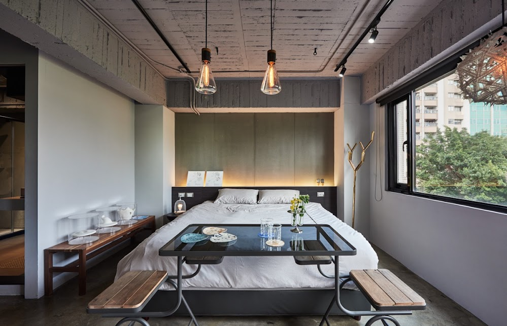 idea-lights-end-of-bed-breakfast-table-industrial-bedroom