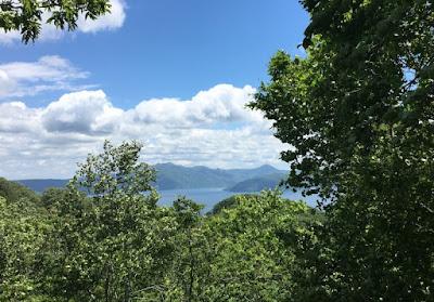 滝の沢展望台から見る十和田湖