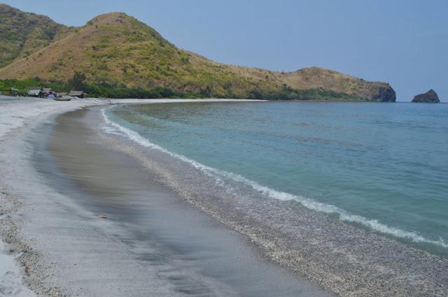 Agnaem Cove or Agnain Cove Beach
