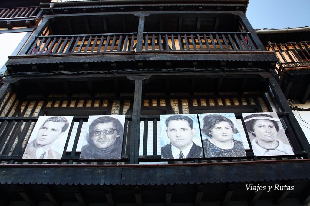 retratos en fachadas de Mogarraz