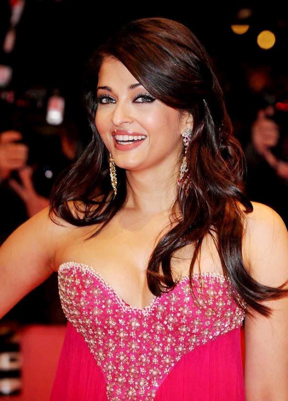 aishwarya rai sexy cleavage pics 05