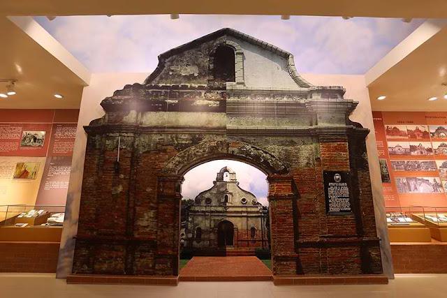 Museo sa Ilalim ng Lupa ng Nagcarlan (Nagcarlan Underground Cemetery Historical Landmark)
