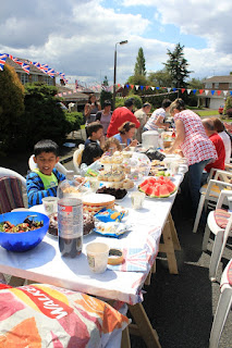 A Jubilee Street Party with Pop-Up Adventure Play - 04