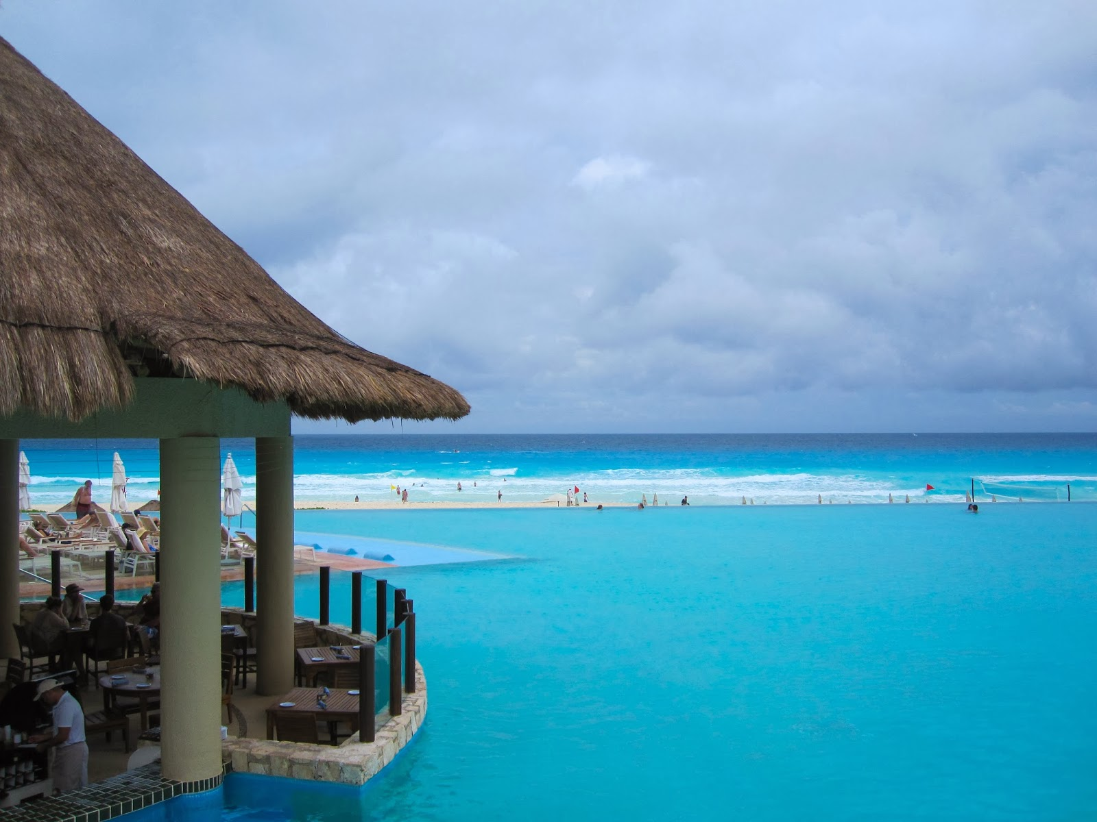 Cancun, Rainy Day Expeditions & the Templo del Alacran.