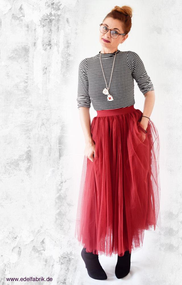 die Edelfabrik, Look, roter Tüllrock, Streifenshirt, fränzösischer Look