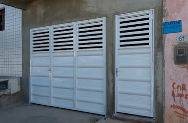 Portão em alumínio branco 26