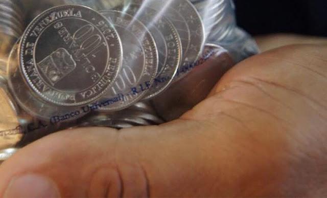 Con monedas de 100 bolívares pagaron pensión en Carabobo