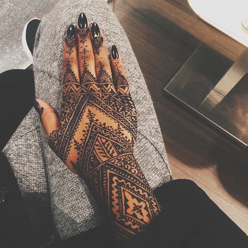 Stunning Finger Henna Tattoo Ideas