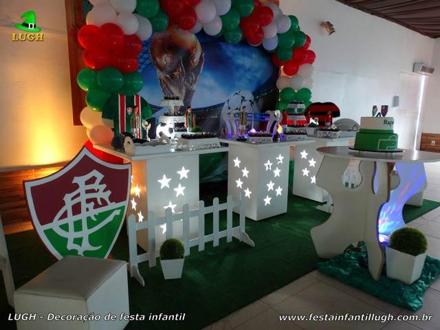 Decoração festa de aniversário tema Futebol - Mesa decorada do bolo