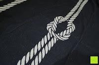 """Seil- und Knotenmuster: ZOLLNER hochwertiges Strandlaken / Strandtuch / Badetuch 100x200 cm marine-weiß, in weiteren Farben erhältlich, direkt vom Hotelwäschehersteller, Serie """"Marina"""""""