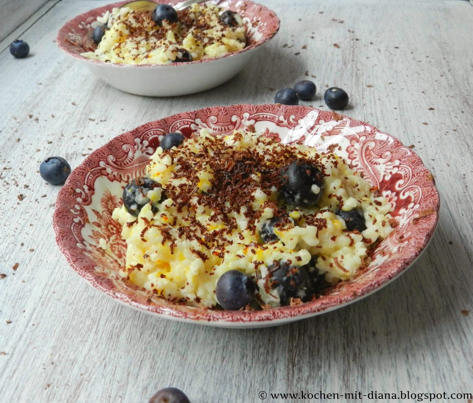 Safran-Milchreis mit Heidelbeeren und Schokolade