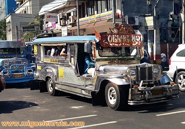 Jeepneys-Manila-Filipinas