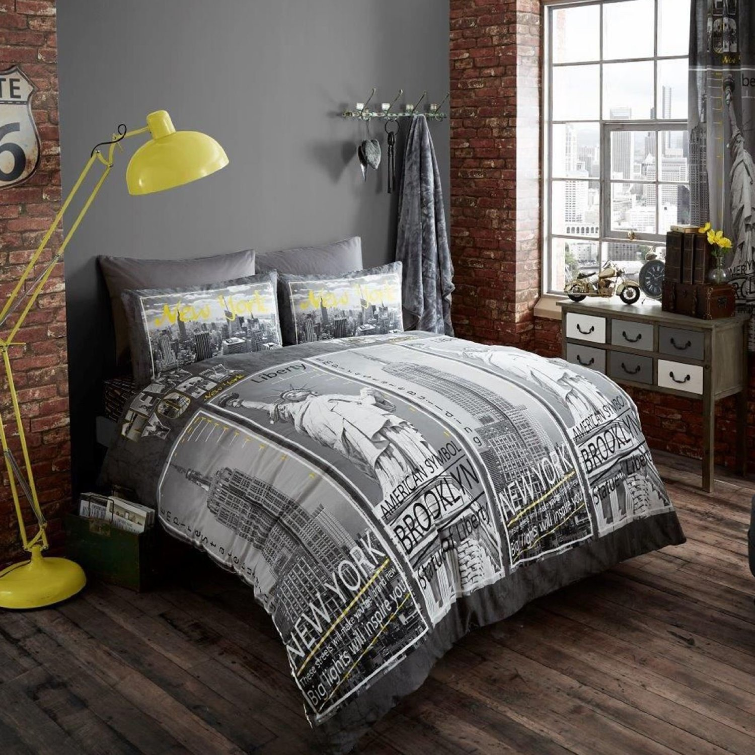 New York City Skyline Bedding & NYC Themed Bedroom Ideas