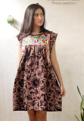 desain baju batik santai modern wanita muda