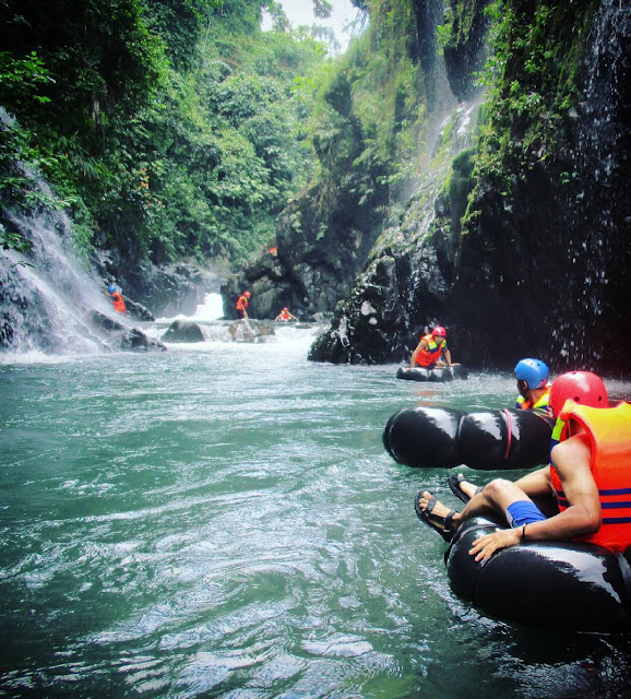 foto river tubing di black canyon